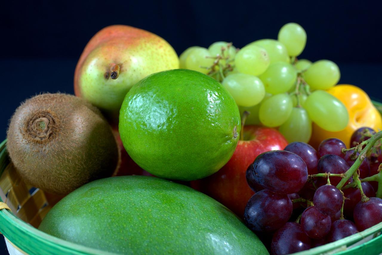 ענבים מנגו ועוד