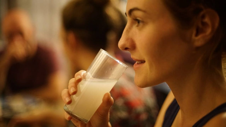 האם להרים אירוע הרמת כוסית לכבוד יום האישה?