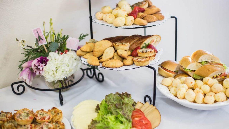 מה עדיף: דוכני מזון או קייטרינג באירועים